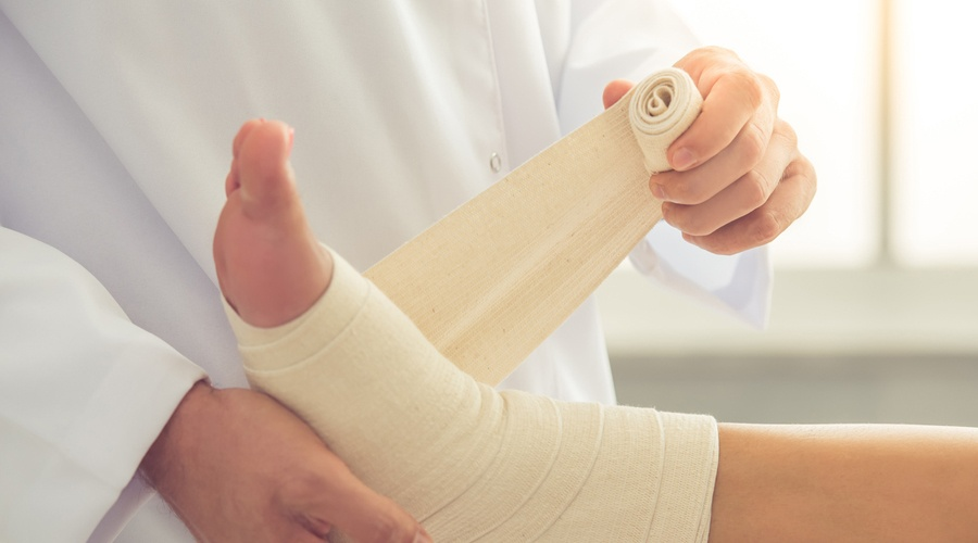 4 DIABETIC WOUND CARE TIPS