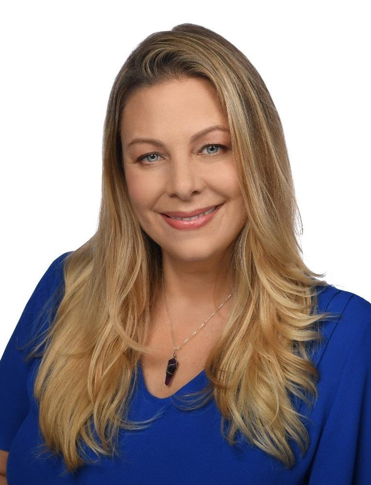 Kate Yeadaker headshot